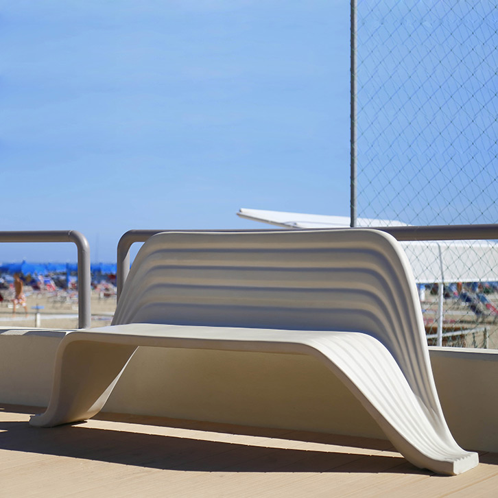 Onda Bench by LAB23